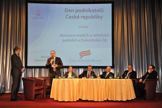 Zleva - Pavel Dobeš, Martin Kuba, Karolína Peake, Karel Havlíček, Jindřich Procházka, Ivan Pilný, Jan Procházka