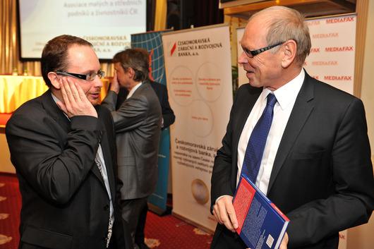 Jan Procházka (ředitel pražské pobočky Cyrrus, a.s.), Ivan Pilný (investor)