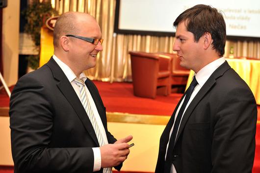 Tomáš Uvíra (generální ředitel České exportní banky, a.s..), Petr Križan (náměstek generálního ředitele České exportní banky)